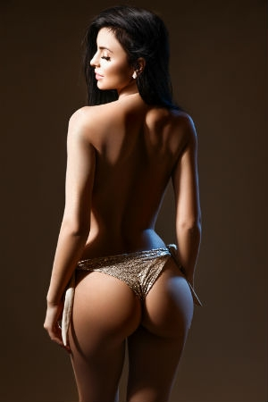Movida escort showing off her figure