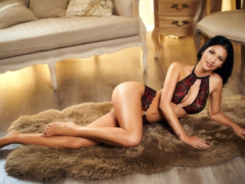 Lupita joined our agency Movida Escorts