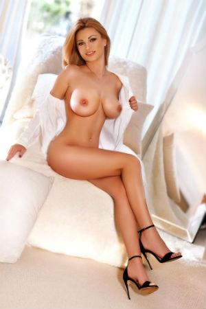 Britney posing naked for Movida Escorts