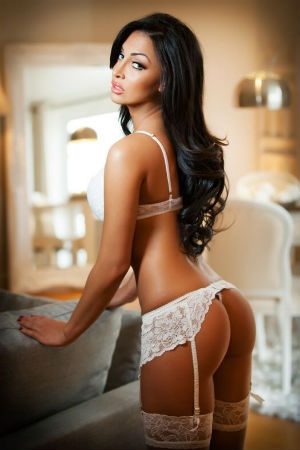 High Class Escort available in London