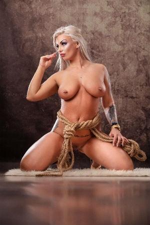 Bernadete posing naked for Movida Escorts