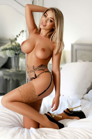 https://www.movidaescorts.co.uk/assets/staff/1582641665_staff_2648_5e553201e13ab_tn.jpg